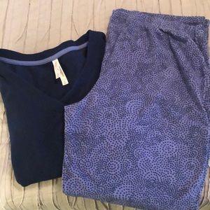 Gillian & O'Malley fleece pajama set
